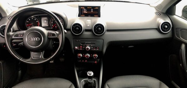 Audi A1 TFSI 86cv Xénon - Bast Automobiles - Intérieur